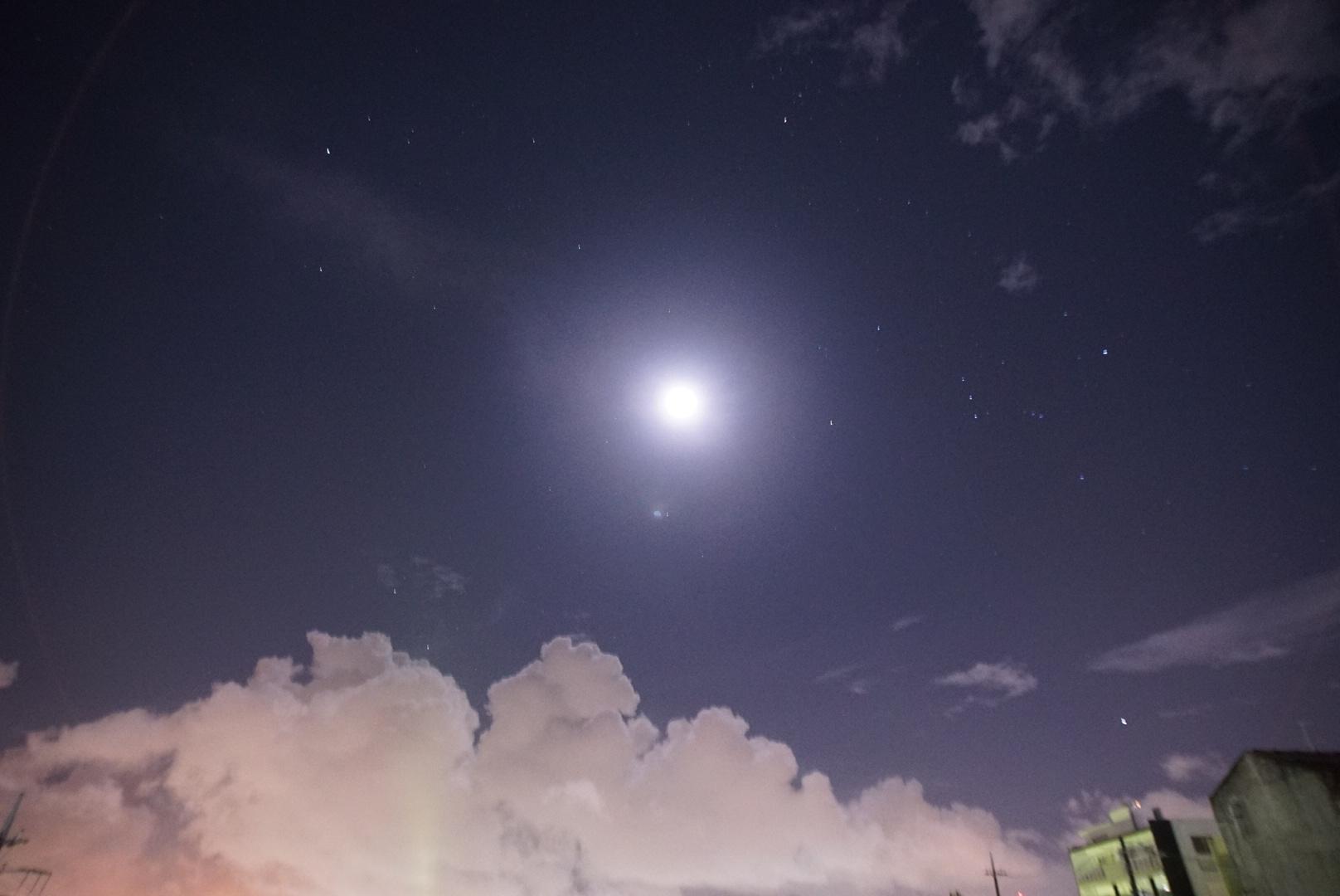 月と雲と冬の星座_a0095470_01013097.jpg