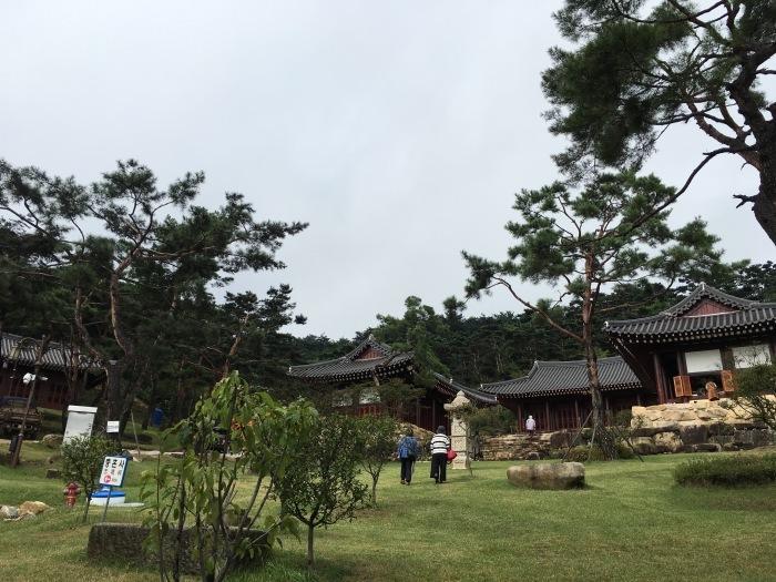ソウルから大邱へ。韓国のおいしい味と美術作家さんたちに会いに。その3 テンプルステイ&民画作家さんのアトリエへ_a0223786_16270042.jpg