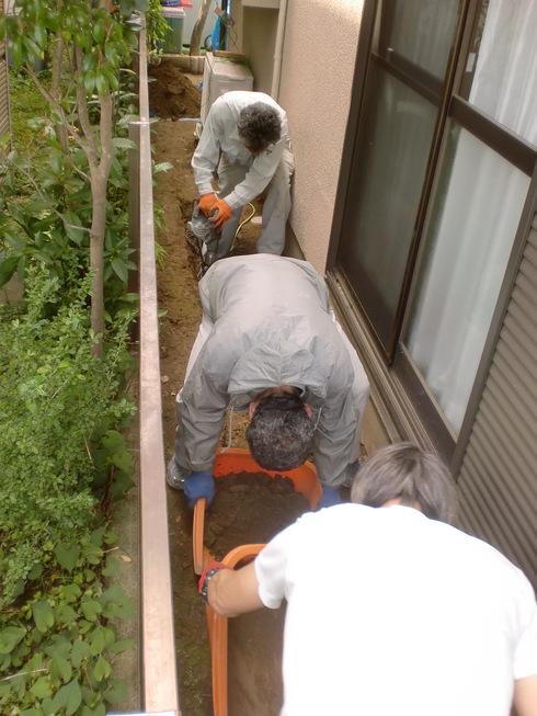 雨水配管改修工事_e0190287_17525143.jpg