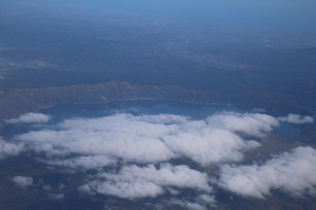 素晴らしい北海道の秋、全日空・ANAの旅、雌阿寒岳・阿寒湖・屈斜路湖そして摩周湖・・・野付半島を一周_d0181492_22372603.jpg
