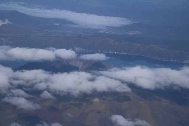 素晴らしい北海道の秋、全日空・ANAの旅、雌阿寒岳・阿寒湖・屈斜路湖そして摩周湖・・・野付半島を一周_d0181492_22392011.jpg