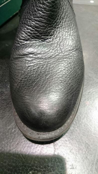 黒いデリケートクリームが合う革とは?_b0226322_12213170.jpg