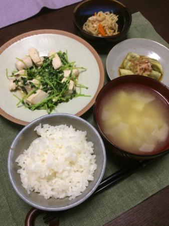 鶏肉と豆苗のオイスター炒め_d0235108_20060707.jpg