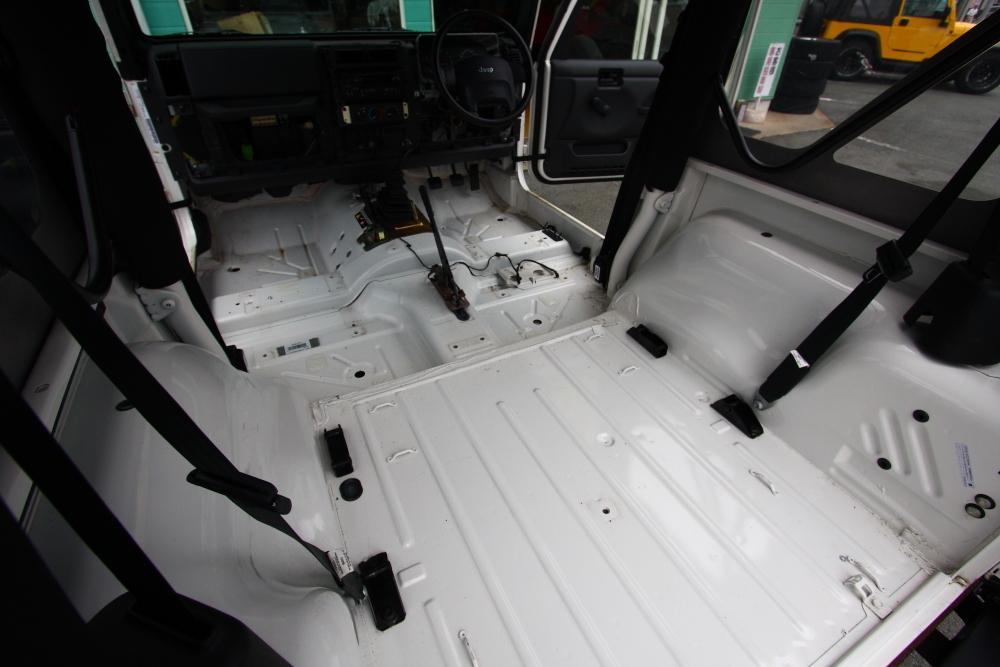 ご納車のそれぞれのTJと新入庫のTJ_f0105425_18253058.jpg