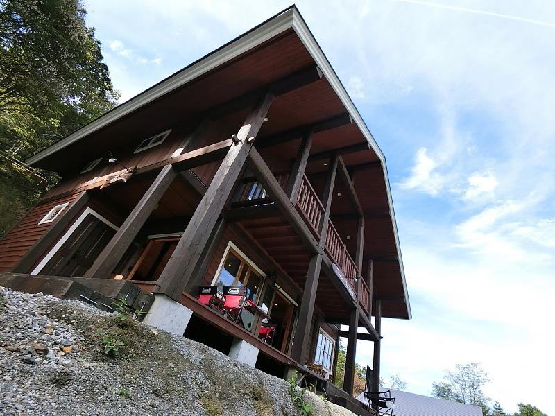 【キャンプ場施設レポート】Foresters Village Kobitto(フォレスターズビレッジ・コビット 南アルプス)① 建物編 _b0008655_11072562.jpg