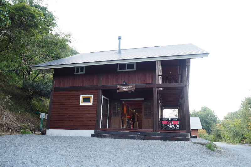 【キャンプ場施設レポート】Foresters Village Kobitto(フォレスターズビレッジ・コビット 南アルプス)① 建物編 _b0008655_11093459.jpg