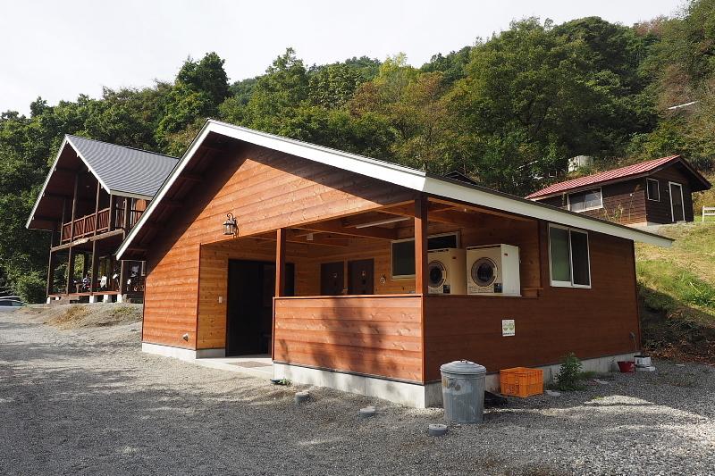 【キャンプ場施設レポート】Foresters Village Kobitto(フォレスターズビレッジ・コビット 南アルプス)① 建物編 _b0008655_11225265.jpg