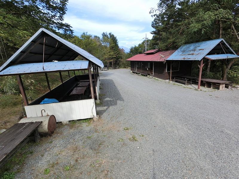 【キャンプ場施設レポート】Foresters Village Kobitto(フォレスターズビレッジ・コビット 南アルプス)① 建物編 _b0008655_11412953.jpg