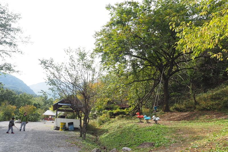 【キャンプ場施設レポート】Foresters Village Kobitto(フォレスターズビレッジ・コビット 南アルプス)① 建物編 _b0008655_12500846.jpg