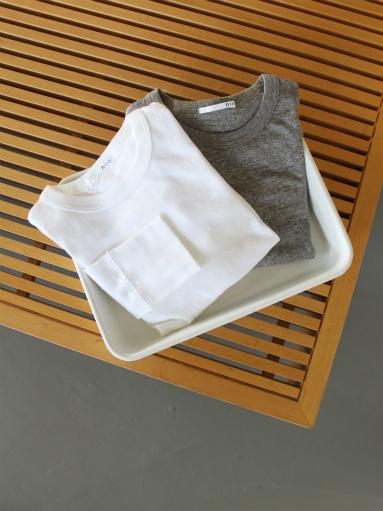 n100 エヌワンハンドレッド 柔らかい質感のクルーネックTシャツ_b0139281_17463639.jpg