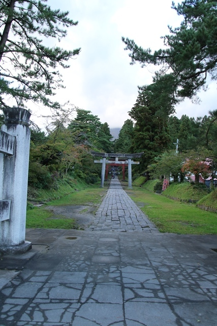 JALで行く青森の旅@深い信仰を受ける岩木山神社を訪ねて・・・神秘的姿を見せた岩木山_d0181492_07422956.jpg