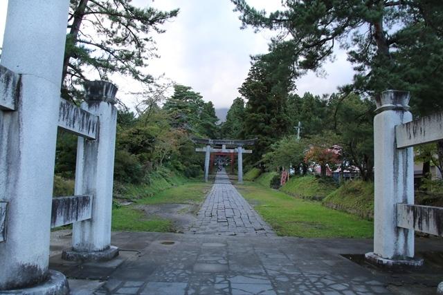 JALで行く青森の旅@深い信仰を受ける岩木山神社を訪ねて・・・神秘的姿を見せた岩木山_d0181492_07424693.jpg