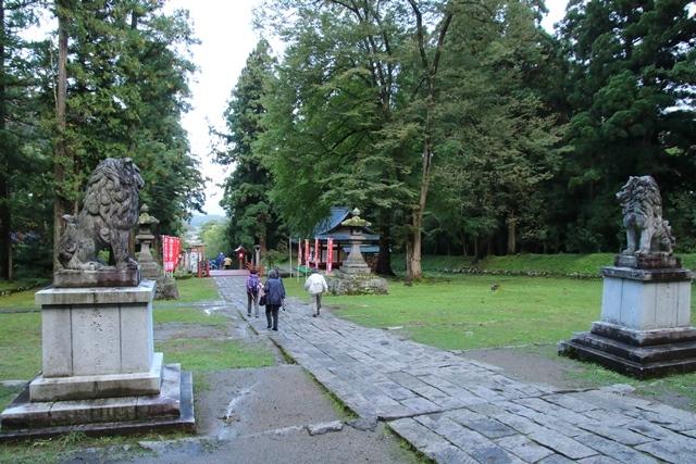 JALで行く青森の旅@深い信仰を受ける岩木山神社を訪ねて・・・神秘的姿を見せた岩木山_d0181492_07435938.jpg