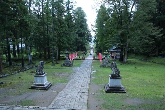 JALで行く青森の旅@深い信仰を受ける岩木山神社を訪ねて・・・神秘的姿を見せた岩木山_d0181492_07492801.jpg
