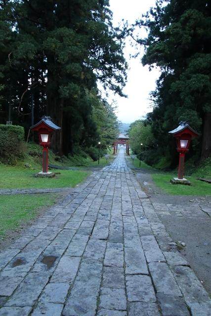 JALで行く青森の旅@深い信仰を受ける岩木山神社を訪ねて・・・神秘的姿を見せた岩木山_d0181492_07510219.jpg