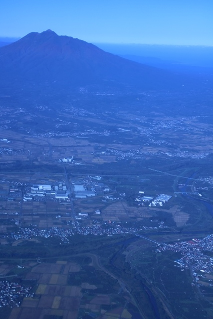 JALで行く青森の旅@深い信仰を受ける岩木山神社を訪ねて・・・神秘的姿を見せた岩木山_d0181492_07540199.jpg
