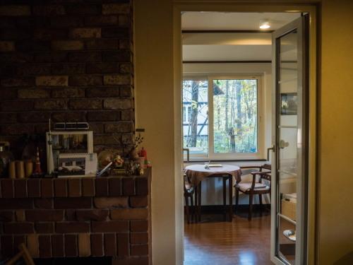 """カフェの窓からみる""""秋""""・・エゾリス君のいる風景。_f0276498_23271473.jpg"""