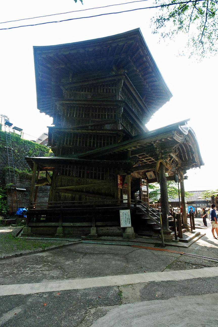 会津の建築:さざえ堂_c0195909_10594854.jpg