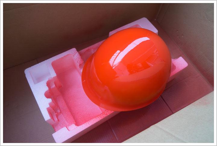 赤いヘルメット_d0104052_19483296.jpg