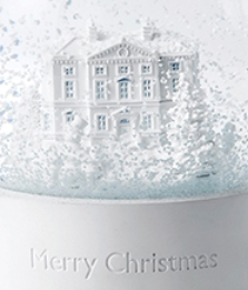 ウェッジウッド素敵なクリスマススノーグローブ&オーナメント!_f0029571_21195216.jpg
