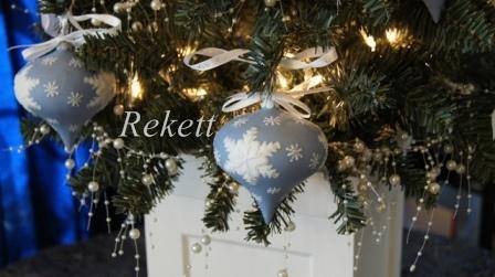 ウェッジウッド素敵なクリスマススノーグローブ&オーナメント!_f0029571_21432865.jpg