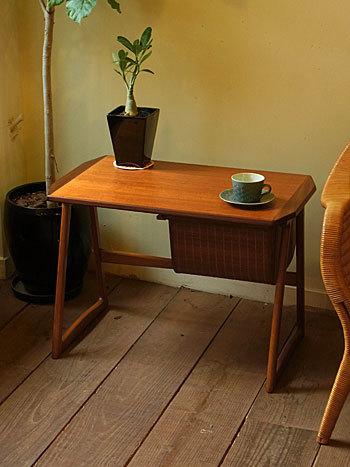 sewing table_c0139773_18025166.jpg