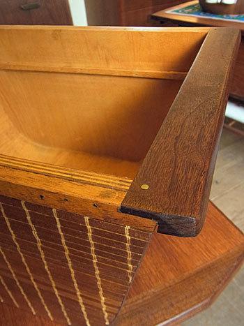 sewing table_c0139773_18051774.jpg