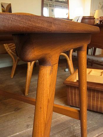 sewing table_c0139773_18060263.jpg