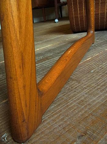 sewing table_c0139773_18061925.jpg