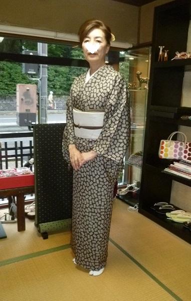 単衣の塩沢に兎の帯・江戸小紋に織楽浅野の帯のお客様。_f0181251_1975081.jpg