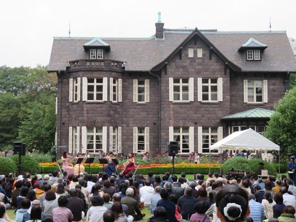 22日の川辺堀之内祭りと旧古河庭園・平塚亭と北とぴあと、日本のサーモン_e0133780_01001527.jpg