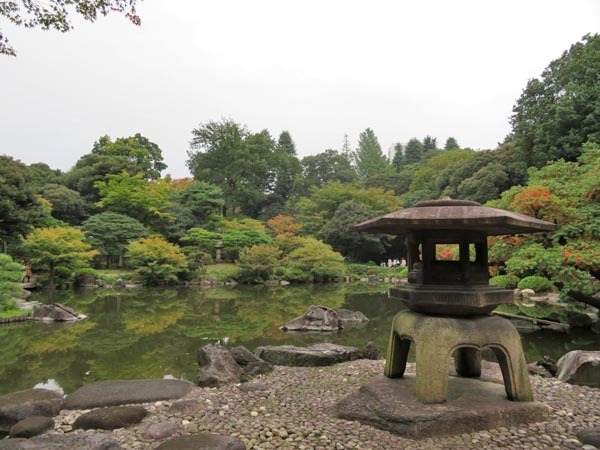 22日の川辺堀之内祭りと旧古河庭園・平塚亭と北とぴあと、日本のサーモン_e0133780_01172574.jpg