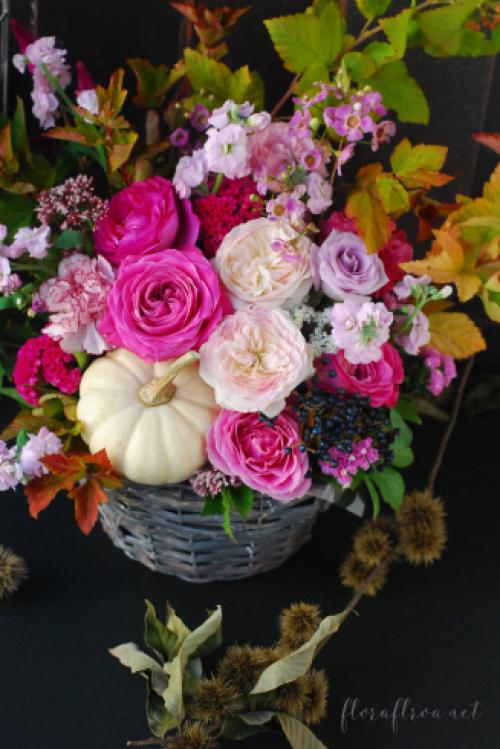 10月のレッスン*生花*かぼちゃをキュートに!ピンクのハロウィーン 東京目黒不動前フラワースタジオフローラフローラ フラワースクール&ウェディングブーケ装花_a0115684_12531800.jpg