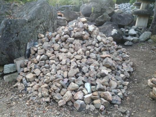 自然石の選別_f0183722_16273134.jpg