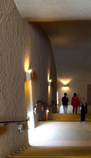 長い階段の向こうに…_e0241944_10221294.jpg