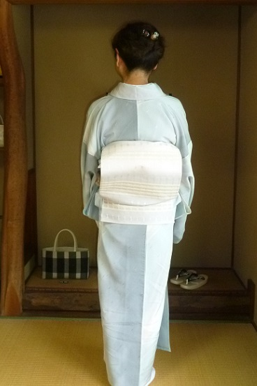野田淳子さんコンサート・秋草の着物と帯・営業のお知らせ。_f0181251_15474425.jpg