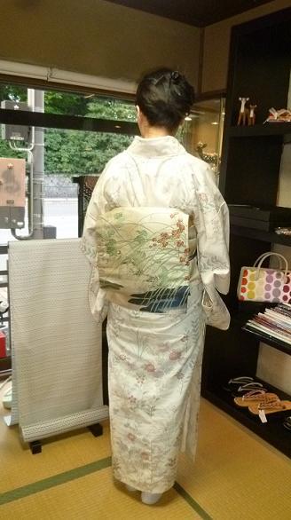 野田淳子さんコンサート・秋草の着物と帯・営業のお知らせ。_f0181251_1612735.jpg