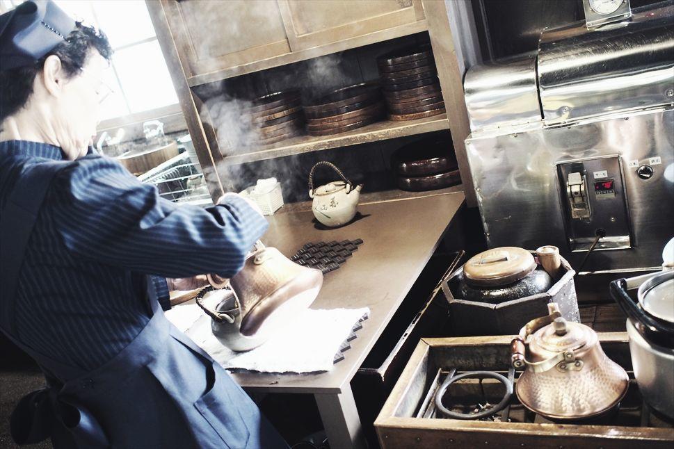 【旅日記】伊勢の「赤福本店」で、赤福餅の本質に出会う _b0008655_17212318.jpg