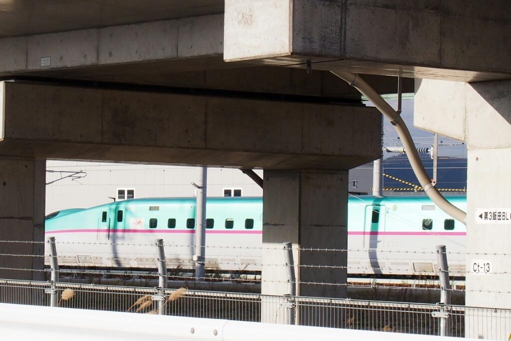 北海道新幹線はやぶさ、車両基地へ_b0106766_22554666.jpg