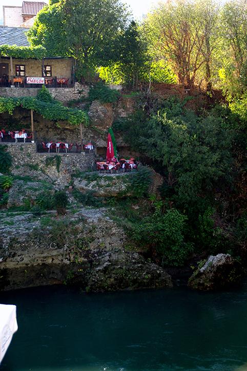 断崖のカフェ_b0114785_19523590.jpg