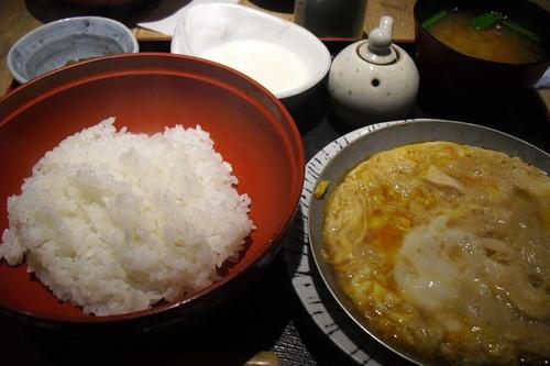 赤坂ざんまい 『親子丼定食』_a0326295_20295328.jpg