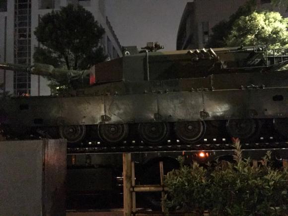 自衛隊の戦車_d0339676_23121102.jpg