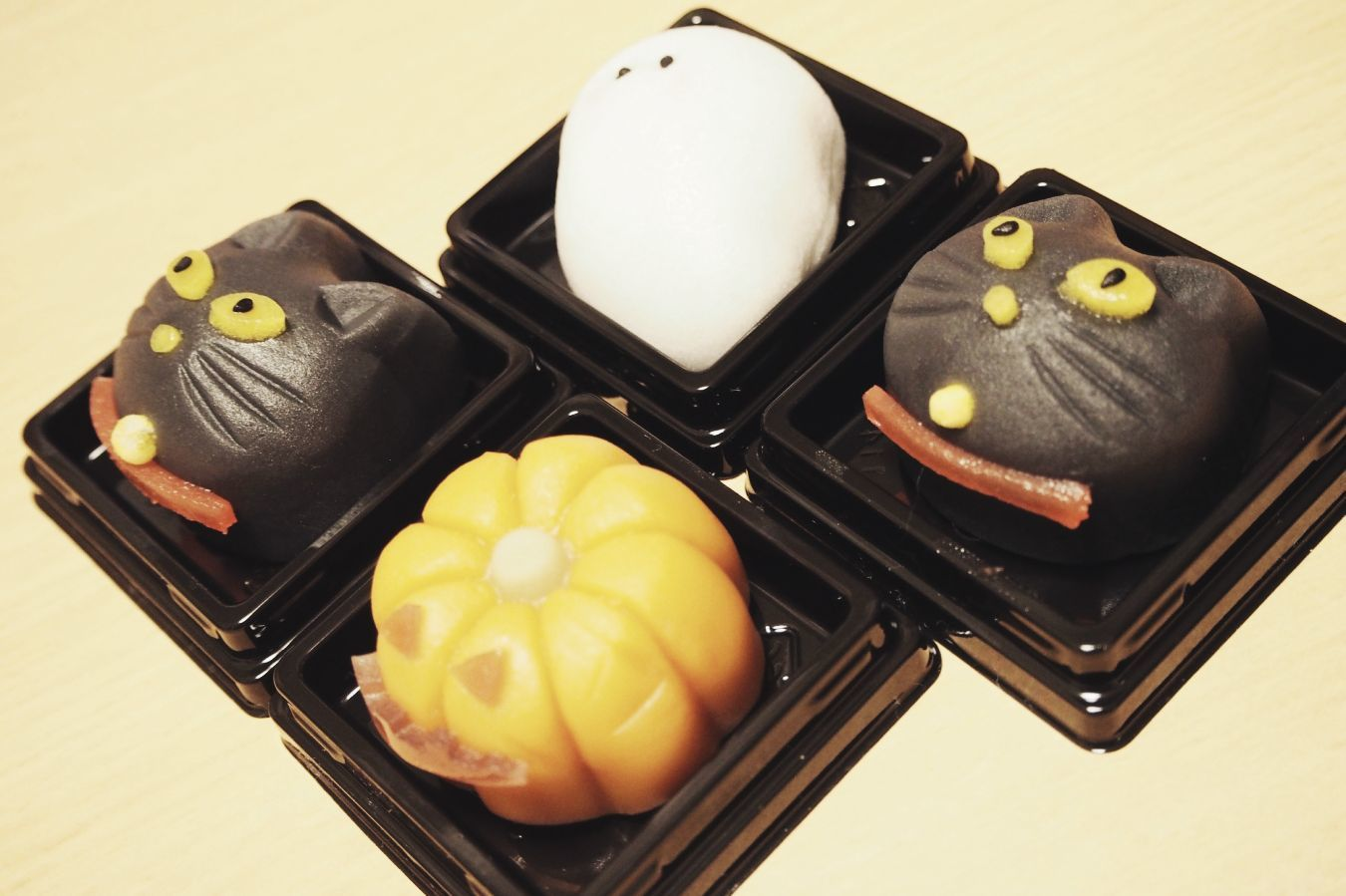 【Photo】ハロウィンは、黒猫_b0008655_19405909.jpg