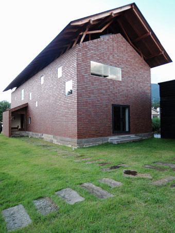 会津の建築:猪苗代のギャラリー_c0195909_1002644.jpg