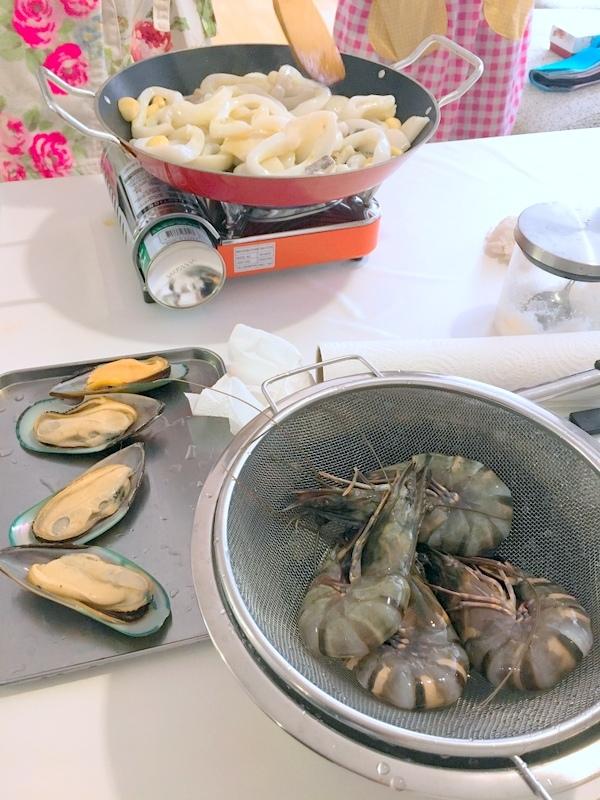 スペイン料理レッスン「イカ墨のパエリアなど」in bangkok_f0141419_13273776.jpg