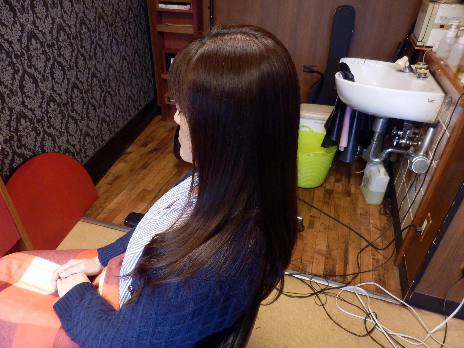 安定のツヤ髪、スピエラ矯正&毛先デジ_d0185620_1643533.jpg