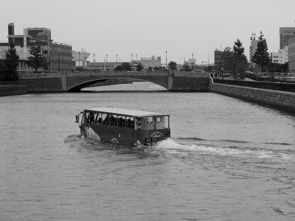 水陸両用バス_b0023523_21123130.jpg