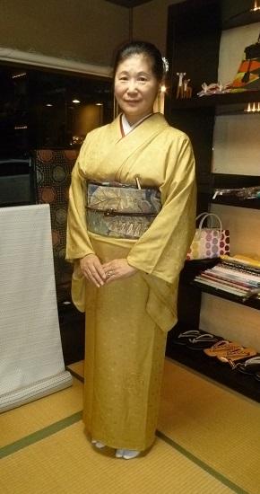中華でご一緒した青森のお客様の着物姿・サローネへ。_f0181251_10111687.jpg