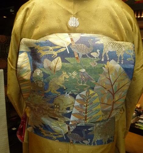 中華でご一緒した青森のお客様の着物姿・サローネへ。_f0181251_10201353.jpg