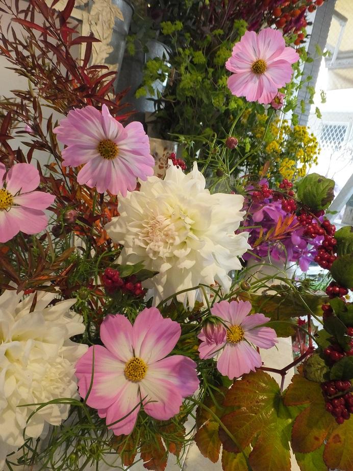 オークリーフ花の教室(山田さんと石川さんの作品)_f0049672_1758258.jpg